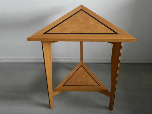 1.CQ houtbewerking driehoektafel