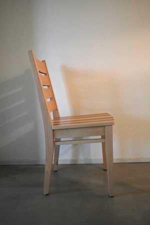 2.CQhoutbewerking stoel